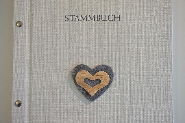 ドイツで婚姻登記簿に登録するともらえる本、「Stammbuch」って何?