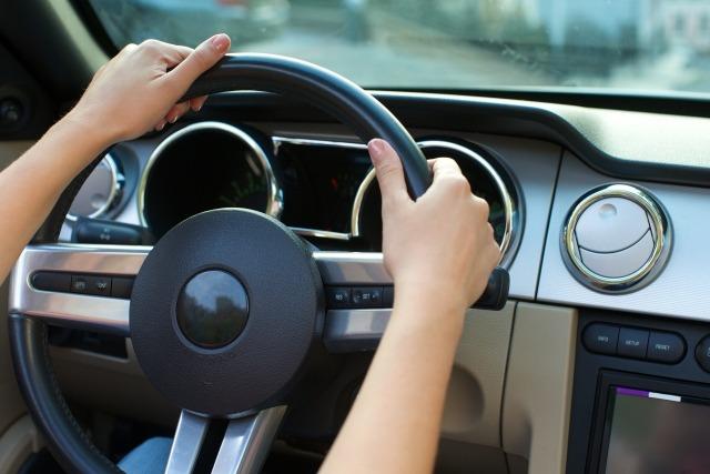 海外の免許証で日本で運転する方法~「上陸から1年間」ルールに注意!~
